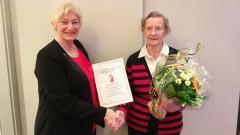 Dorothea Bialas geehrt für besondere Verdienste im Hamburger Fechten